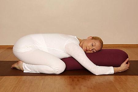 Подручные материалы для йоги для беременных
